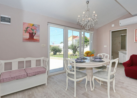 Attractive Holiday House near Zadar with BBQ