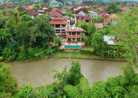 Little Ubud River View Emerald Villa