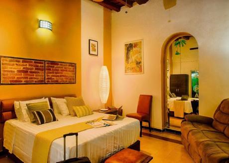 elegant rooms in casa las palmas Santa Marta