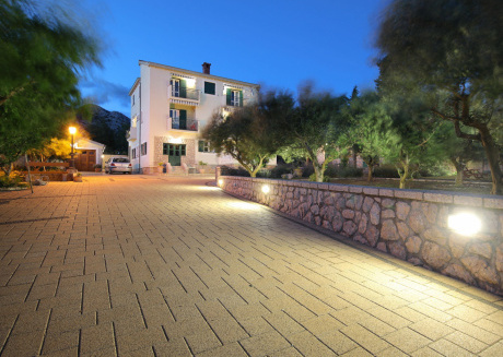 Lovely apartment situated in Starigrad Dalmatia