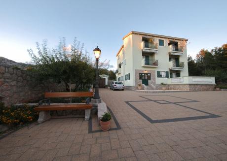 Rustic apartment on the sea in Starigrad Dalmatia, Zadar