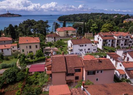 Gorgeous Sea View Apartment in Rovinj