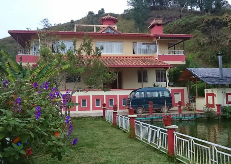 Canada country house, in Guatapé Colombia, an experience with nature.