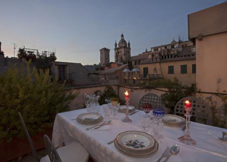 Sui tetti del centro di Genova - Locazione