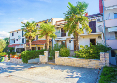 Modern Apartment in Funtana Croatia with Sea View