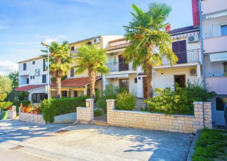 Cozy Apartment near Beach in Funtana Croatia
