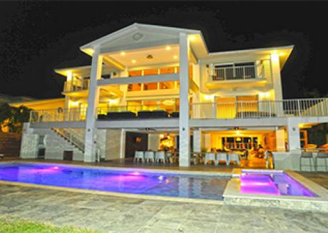 Villa Estelle - Luxury Waterfront Home