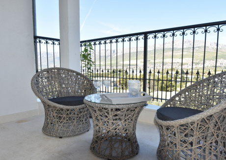 Spacious and comfortable apartment, 3 km outside the historical centre of Split