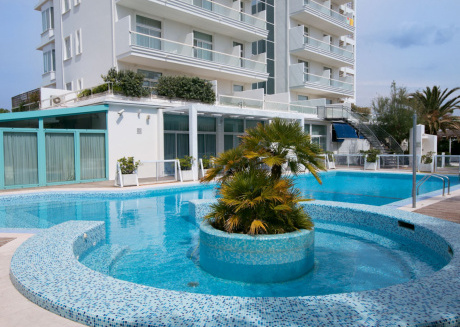 Apartment in brand new complex located 300 meters from the sea.