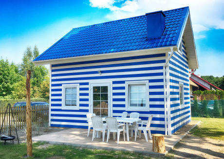 Charming holiday home for 6 people located in a small seaside village.