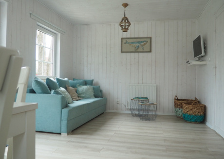 Beach house in a seaside village 2 km from the sea. 2 bedrooms, living room.