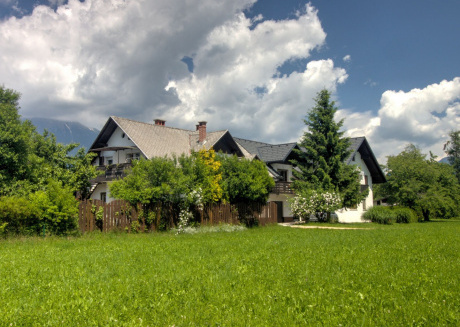 Property with a large garden close to nature and a good base for outdoor activities