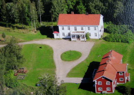 Beautiful group farmhouse with many facilities in the middle of nature