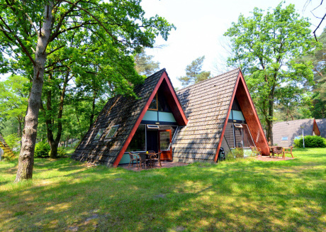 Modernised villa on small nature-filled holiday park