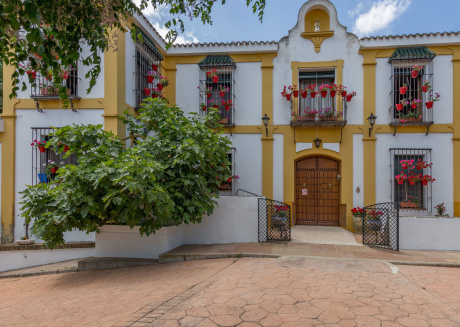 Rustic house with swimming pool, beautifully situated in Priego de Córdoba