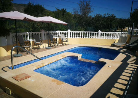 Beatiful Guesthouse ,  4-6 persons, a swimmingpool & large terraces