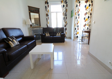 2 bedroom Forville 8 mins to the Palais 328