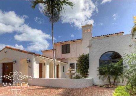 Villa Carol - Magnificent Mid Beach Home