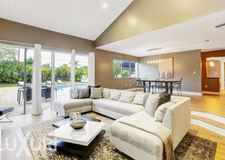 Villa BlueSUn - Luxury Villa in Miami sleeps 18