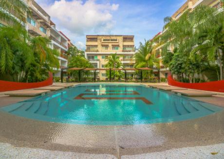 Villa Pearl - Steps to La Quinta Sleeps 20!