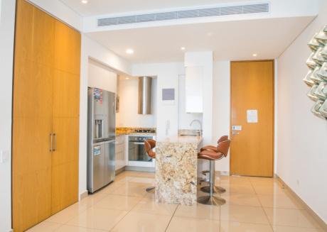 Luxurious Oceanfront Apartment