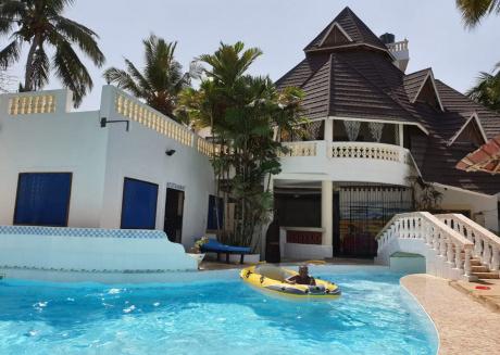 Kivuliii villa cottage we are located opposite lantana Gaul hotel