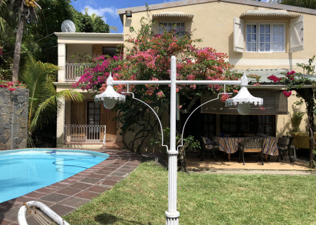 Luxury Villa with Private Garden & heated pool