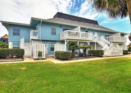 Newly Remodeled 2 bed 2 bath condo. Beach Access! 2 Community Pools!