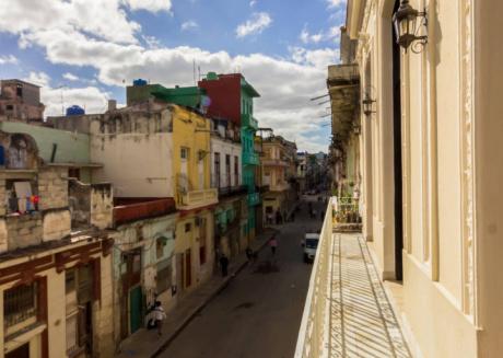 Casa Juan De La Habana, Room 1, a perfect bedroom at Havana's heart