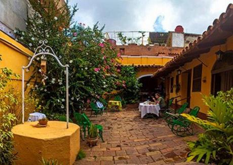 Hostal Casa Ayala, Room 1, a perfect bedroom at Trinidad's heart