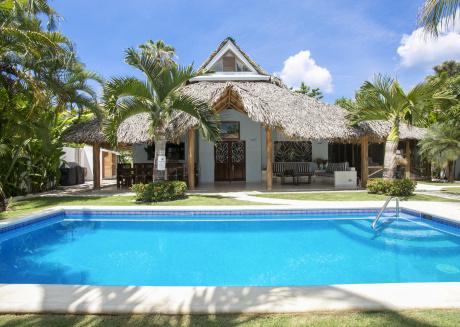 Villa For Ten, Walk To Beach & Restaurants...