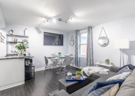 Bright and Modern 2BR - Downtown/Little Italy