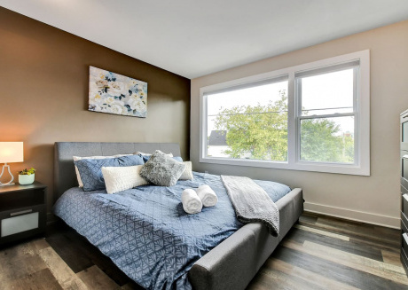Warm and Comfortable 1BR with King Bed - Vanier