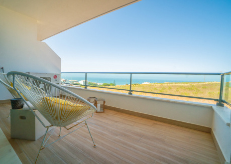Beach Break Apartment (Sea View) Ideal for family
