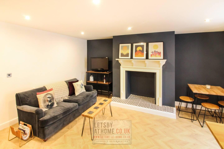 Leodis Luxury Apartment Slide-5