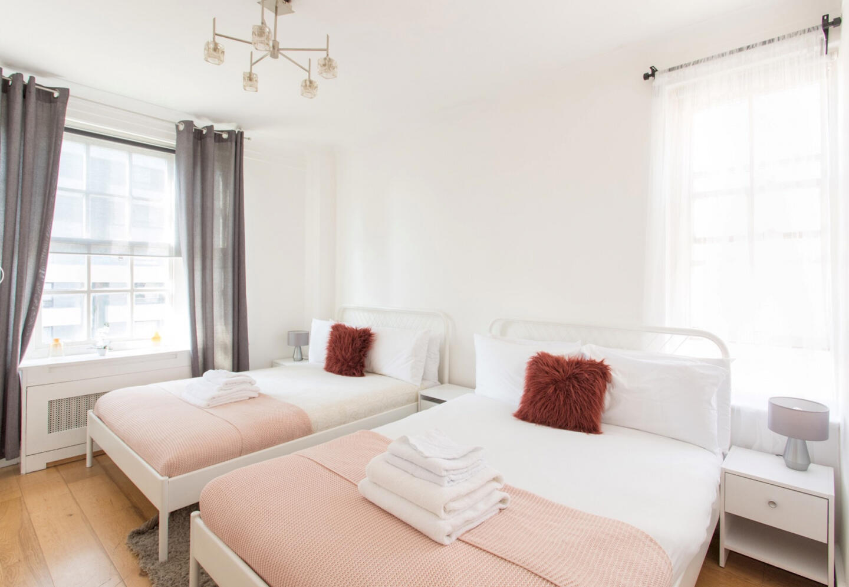 3 Bedroom Apartment near Edgware Road & Hyde Pa... Slide-5