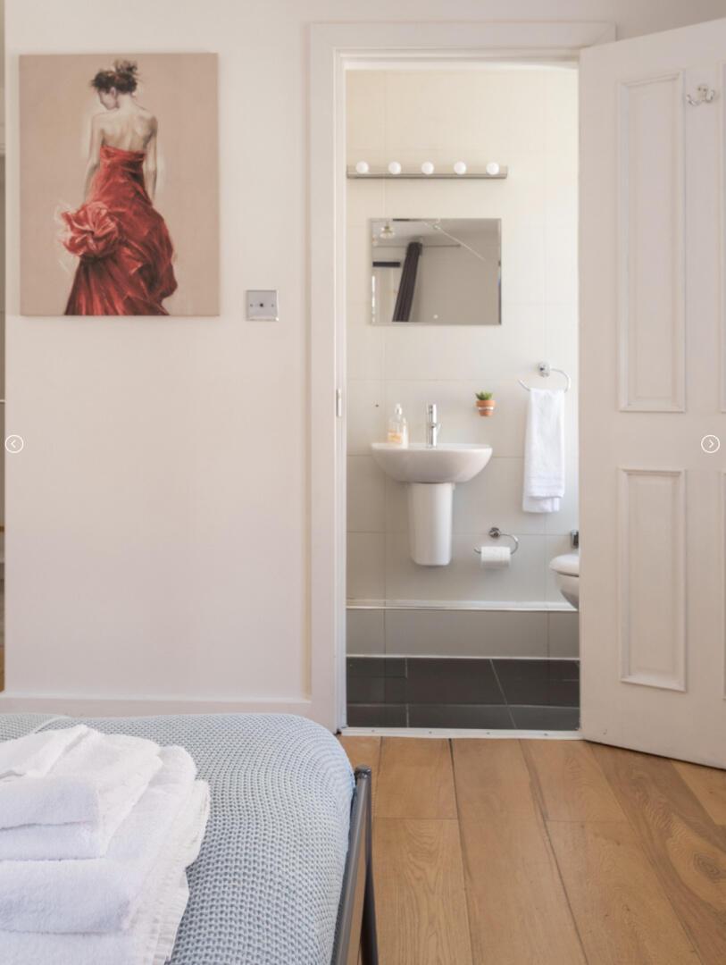 3 Bedroom Apartment near Edgware Road & Hyde Pa... Slide-2