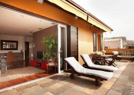 Penthouse Terrace Apartment in Paseo San Juan B380