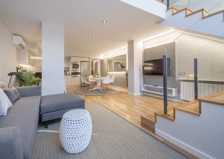 Duplex 3 bedroom Apartment in the beach area - B382