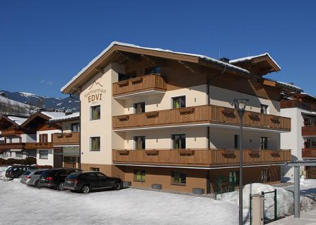 Apartments EDVI B3 - balcony and glacier view