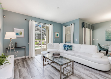 New 4BD townhome with splash pool in ChampionsGate, just 10 mi from Disney!