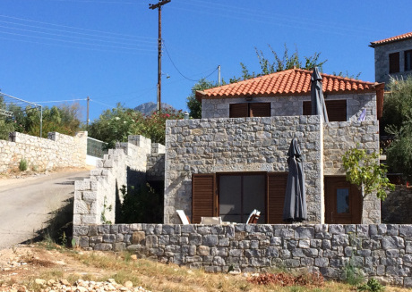 Leonidas stone houses near beach 50 meters away from tavern with local food