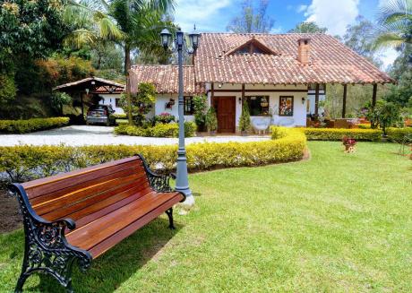 Rionegro near Aeropuerto.Finca Campestre Palmeras.