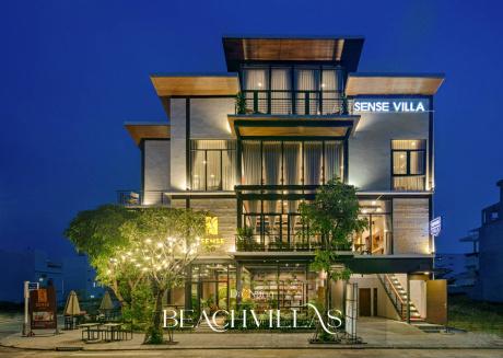 Brand New ⭐⭐⭐⭐⭐ Industrial Villa Darts & Foosball