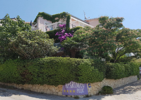 Villa Puljic : In this charming app. with 4 **** you will spend amazing time