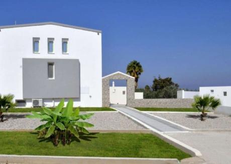 Xenos Villa 4 - Luxury Villa With Private Swimming Pool Near The Sea