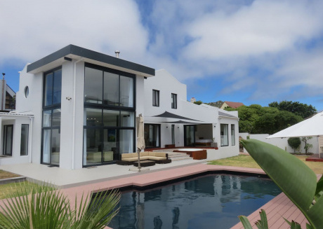 Cape white villa
