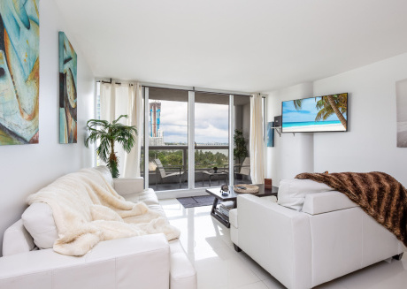 Edgy and Modern Condo on the Bay