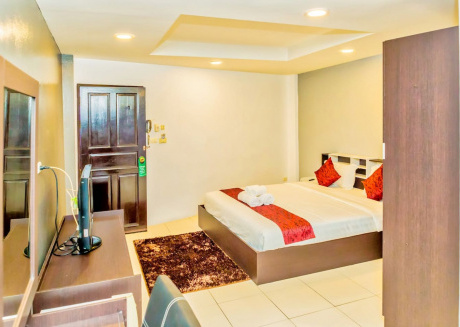 Room 4D Superior Room close to Walking Street and Night Market