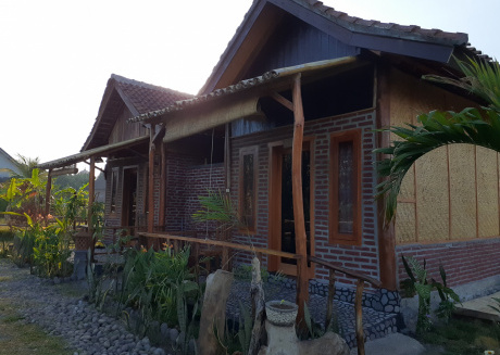 Surf Camp and surf school in west bali
